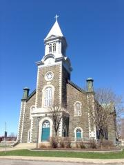 L'Église a perdu sa belle flèche lors d'un violent orage en 1969. La vieille dame de 136 ans en a été un peu écourtée.